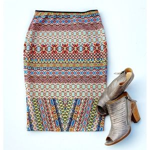 BISOU BISOU Skirt Pull-on Pencil Aztec Print sz M